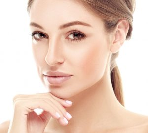 Deciding Between Facelift Surgery & Botox